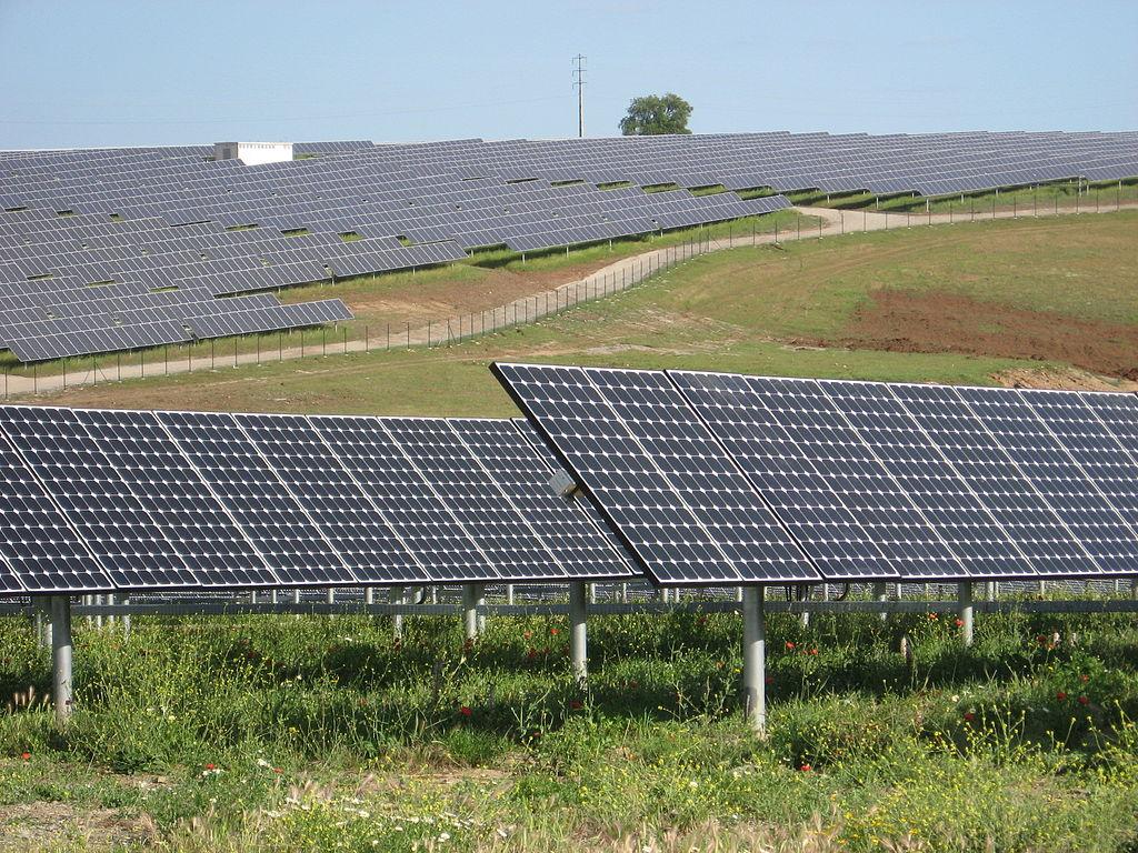 A Solar Farm (Wikipedia)